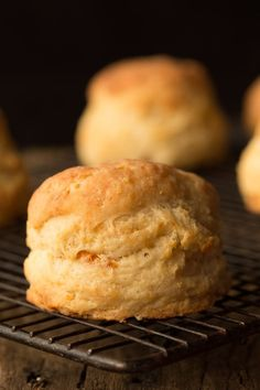 *yummy*Ridiculously Easy Buttermilk Biscuits - easy as in, less than 10 minutes to throw together. Next thing you know, tall, flaky, incredibly delicious biscuits! will be rolling out of your oven! Scones, Baked Goods, Breakfast Recipes, Dessert Recipes, The Best, Bakery, Cooking Recipes, Easy Recipes, Cooking Games