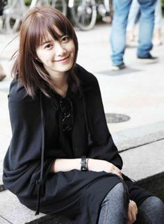 Twenty Korean actresses you would wish have join Miss Korea. The cutest actresses who captures your heart with their smile and the most beautiful actresses you would think are beauty queens. Korean Actresses, Korean Actors, Actors & Actresses, Korean Dramas, Korean Beauty, Asian Beauty, Gu Hye Sun, See Through Bangs, Geum Jan Di