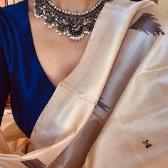 Vintage Look Clothes Fashion Classy 34 Super Ideas Saree Jewellery, Wedding Dress Patterns, Trendy Sarees, Saree Look, Saree Dress, Sari Blouse, Saree Styles, Saree Blouse Designs, Indian Designer Wear