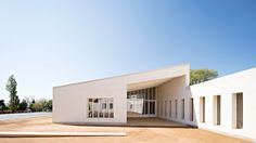 "Combas builds ""warm and robust"" juvenile detention facility in Marseilles"
