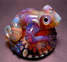"""Katy Frog"" by Karl & Krista Tseu of  5 Fish Designs - Flameworked Borosilicate Glass Frogs"