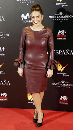 Lorena Castell attends La Reina de Espana premiere at Callao City Lights on November 2016 in Madrid, Spain. Moet Chandon, Black Leather Pencil Skirt, Black Faux Leather, American Dress, Leather Dresses, Leather Skirts, Latex Fashion, Sexy Outfits, Skirts