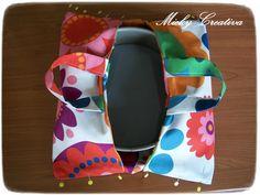 http://mickyscrafts.blogspot.it/2012/05/tutorial-portatorta.html