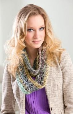 Sofia Cowl Free Crochet Pattern from Red Heart Yarns