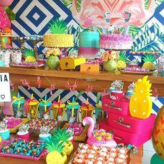 Amo festa colorida!!! Tropical party!!! Deslize para ver todos os detalhes dessa decoração linda!!! . . . Decoração e papelaria personalizada por @festejaratelie - E teve muito amor e muito colorido para FESTEJAR os 8 anos de Letícia - . . . #regrann #festaflamingo #temaflamingo #flamingoumdiadefesta #flamingosparty #boloflamingo #festatropical #bolotropical #tropicalumdiadefesta 13th Birthday Parties, 12th Birthday, Birthday Party Themes, Tropical Bridal Showers, Tropical Party, Flamingo Birthday, Flamingo Party, Candy Bar Party, Luau