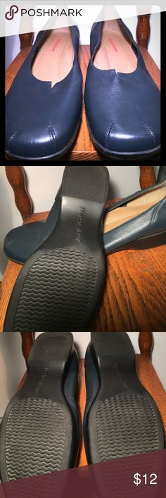 Naturalizer casual flat Very comfortable Naturalizer Slate Blue Leather flat. Like new no scuffing or marks. Extra padding in the arch. Not narrow. Naturalizer Shoes Flats & Loafers