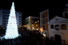Piazza Portanova  http://www.livesalerno.com #Salerno Albero di #Natale di 27mt  #LucidArtista2013 #LucidArtista2014 #LucidArtista #LucidArtista2015  #Luminarie #MercatinidiNatale
