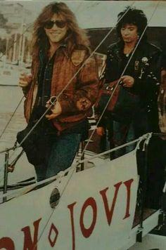 Jon Bon Jovi with Alec Jon Such (during happier times)