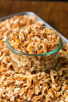 Total Time: 1 hour 10 minutesThis delicious, Double Almond Paleo Granola is gluten-free and easy to throw together! You do not want to buy granola again!I poured a little Almond Paleo gra Lunch Recipes, Appetizer Recipes, Beef Recipes, Breakfast Recipes, Appetizers, Best Maple Syrup, Gluten Free Granola, Sliced Almonds, Food To Make