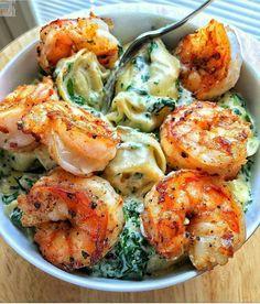 Spinach tortellini with prawns
