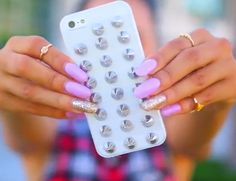 MyLifeAsEva diy. E600 glue with a plain phone case and studs