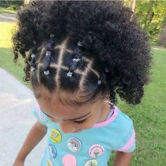Hairstyles kids 15 Kid-Friendly Curly Hairstyles Banded Half-Updo - Hair styles for naturally curly coily kids Little Girl Curly Hair, Toddler Curly Hair, Cute Toddler Hairstyles, Curly Kids, Kids Curly Hairstyles, Cute Little Girl Hairstyles, Natural Hairstyles For Kids, Black Hairstyles, African Hairstyles