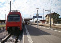 S-train arrives in rafz (laststop)