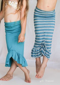 Cute swim suit cover up, Mermaid Skirt Tutorial - easy to make, one of my girls' favorites! Great sewing pattern, my daughter loves Disney inspired Little Mermaid dress up clothes! Little Mermaid Dresses, Little Girl Dresses, Girls Dresses, Mermaid Crafts, Mermaid Diy, Diy Clothing, Sewing Clothes, Free Clothes, Dress Up Outfits