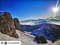 #praveslovenske  Neopísateľné pohľady a zážitky na tých našich milovaných horách  pre tieto okamihy sa oplatí žiť. Je to moja prírodná nabíjačka. Dobije má vždy pozitívnou energiou   @henkel3009 milujem hory a prírodu #chleb #malafatra #slovensko #slovakia #sunset #nature #hiking #mountains #sky #landscape #rocks #snow #winter #inversion