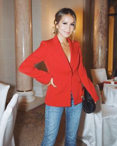 "FORWARD by elyse walker on Instagram: ""@sincerelyjules in the @oscardelarenta suit jacket - available only at FWRD.com #FWRDtravels #lookFWRD"" • Instagram"