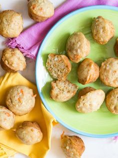 Easter is almost here and Carrot Apple Coconut Muffins are about to be your kids favorite treat they'll be getting this year! Maybe it's because they hang… Coconut Muffins, Healthy Muffins, Healthy Snacks, Carrot Muffins, Mini Muffins, Healthy Baking, Healthy Recipes, Dog Treat Recipes, Baby Food Recipes