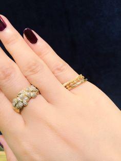ふと華奢なリングが気になって小指で重ねづけを♫この三本を上から【キラキラピンキー...