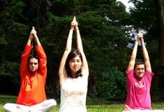 Standing Spinal Twist (Katichakrasana) - http://yogaadvise.com/standing-spinal-twist-katichakrasana/ #RingaRingo'YogaPoses!
