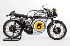 Flatout Riding Sponsors McIntosh Racing Manx Norton