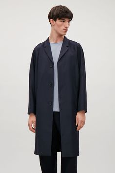Raglan sleeve wool coat