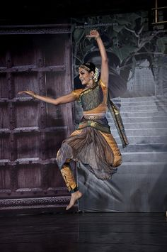 Bharatanatyam by Rukmini Vijaykumar by Abhijith Madhukar