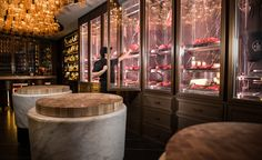 Boutique butchery: beefbar opens a monaco chop shop restaurant interior des Restaurant Concept, Restaurant Design, Restaurant Bar, Shop Interior Design, Store Design, Boeuf Wagyu, Meat Store, Butcher Shop, Monaco