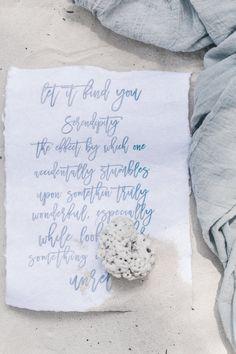 Serendipity // Zanzibar // Destination Wedding // Strandhochzeit //  Papeterie Design, Einladung Gelübte Natürliche Hochzeitseinladungen Blau Weiß