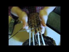 ▶ Weaving holders from newspapers. Part 2. - YouTube