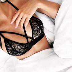 This bralette is amazing! Lingerie Design, Pretty Lingerie, Beautiful Lingerie, Sexy Lingerie, Fashion Design Inspiration, Lingerie Bonita, Strappy Lace Bralette, Cute Underwear, Tommy Hilfiger