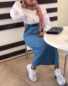 Modern Hijab Fashion, Street Hijab Fashion, Hijab Fashion Inspiration, Muslim Fashion, Hijab Style Dress, Casual Hijab Outfit, Hijab Chic, Hijab Wedding Dresses, Hijab Bride