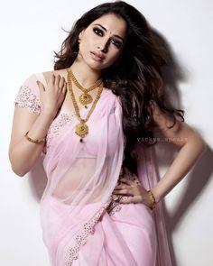 Indian Actress Tamannah Bhatia in Fancy Saree Beautiful Girl Indian, Most Beautiful Indian Actress, Beautiful Saree, Beautiful Actresses, Beautiful Gorgeous, Indian Actress Hot Pics, Indian Bollywood Actress, Indian Actresses, Bollywood Saree