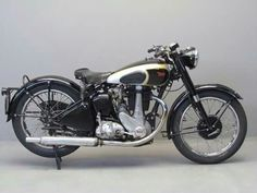 Yesterdays antique motorcycles buying and selling antique motorcycles and related items Antique Motorcycles, British Motorcycles, Cool Motorcycles, Bsa Motorcycle, Old Bikes, Classic Bikes, Vintage Bikes, Bike Design, Motorbikes