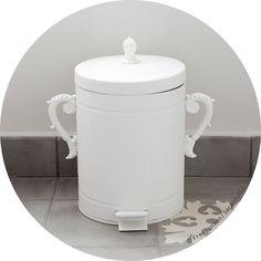 Customiser une poubelle de salle de bain