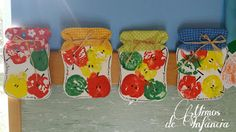 apple print jars... Autumn Crafts, Fall Crafts For Kids, Art For Kids, School Bus Crafts, Daycare Crafts, Preschool Apple Activities, Preschool Activities, Apple Art Projects, September Crafts