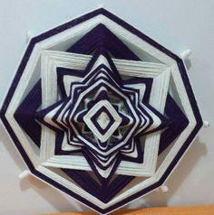 """Mandala """"olho de Deus"""" é uma mandala de origem indígena tecida com fios de lã em… Decorative Boxes, Playing Cards, Ohana, Wool Yarn, Paper Basket, Eyes, Gifts, Colors, Craft"""