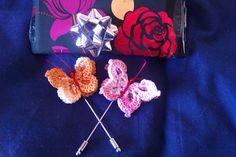 Mundo crochet, broches con forma de mariposa realizados a crochet