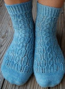 Socks, toe-up, textured, free #knitting pattern.