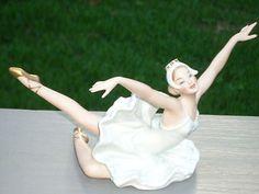"Wallendorf German Porcelain Figurine Ballerina Ballet Dancer ""Swan Lake"""