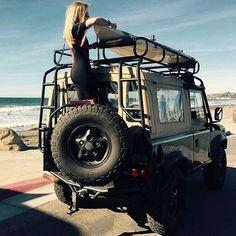 "Gefällt 2,169 Mal, 10 Kommentare - Defender❤️Girls D-125 (@defendergirls) auf Instagram: ""@defendergirls beautiful Defender V8 and Surf Girl with#landroverdefender #love #luckygirl…"""