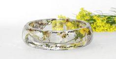 Unique Handmade Epoxy Resin Wild Flowers Bracelet by ArttSpaces