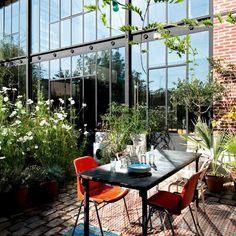 Une terrasse champêtre en milieu urbain - Marie Claire Maison