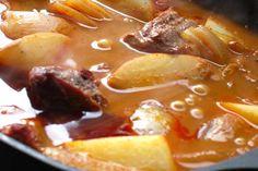 Beef Massaman Curry - Weber - New Zealand Curry Recipes, Meat Recipes, Slow Cooker Recipes, Weber Recipes, Casserole Dishes, Weber Bbq, Stuffed Peppers, Cooking, Koken