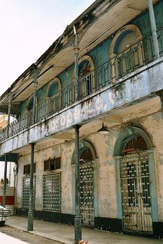 Maputo do Bagamoio, Maputo Baixa - Mozambique, Africa. A little shabby but love the balcony and the colours. Maputo, Africa Destinations, Out Of Africa, East Africa, Mauritius, Places Around The World, Around The Worlds, Travel Hotel, Road Trip