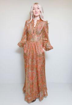 The prettiest vintage dress!