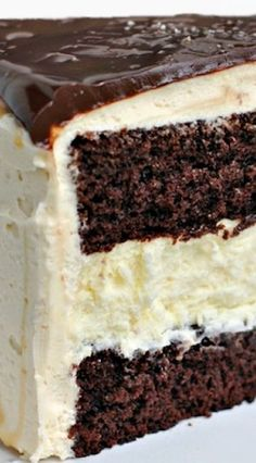 Salted Caramel Chocolate Cheesecake Cake #delicious #recipe #cake #desserts #dessertrecipes #yummy #delicious #food #sweet