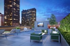 40 Unique rooftop deck ideas to relax and entertain in style Rooftop Terrace Design, Rooftop Pool, Terrace Ideas, Patio Ideas, Garden Ideas, Infinity Pools, Home Garden Design, Patio Design, Pergola