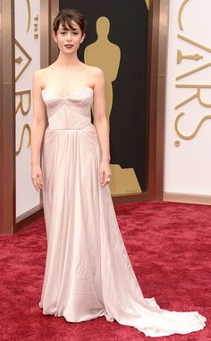 Cristin Milioti is stunning tonight at the #Oscars...perhaps she was inspired by our Nouveau Rose hydrating lotion! http://www.myvitabath.com/in-bloom-nouveau-rose-hydrating-body-lotion/#.UxPC0vRdU38