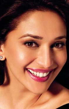 Madhuri Dixit Bollywood Couples, Bollywood Stars, Madhuri Dixit Hot, Updos For Medium Length Hair, Bollywood Designer Sarees, Perfect Teeth, Bollywood Pictures, Indian Celebrities, Beautiful Indian Actress