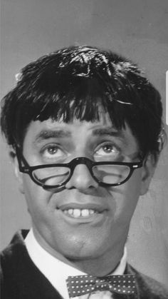 Jerry Lewis as Professor Kelp in The Nutty Professor. Hollywood Icons, Hollywood Actor, Hollywood Stars, Classic Hollywood, Old Hollywood, Jerry Lewis, The Comedian, Actors Funny, Cute Actors